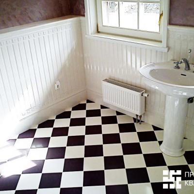 Окно в ванной на втором этаже