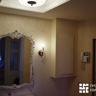 Прихожая. Кессонный потолок, украшенный лепниной