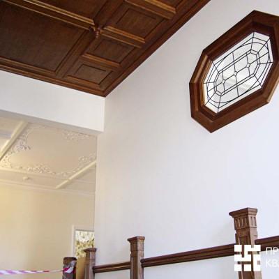 Деревянный потолок (дуб)