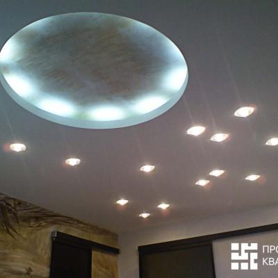 Ремонт квартиры на Дрезденской. Потолок в спальне (гипрок), встроенные светильники и закарнизный свет