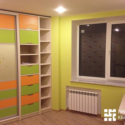 Ремонт квартиры на Орджоникидзе. Детская, вид слева. Паркетный пол, потолок из гипрока