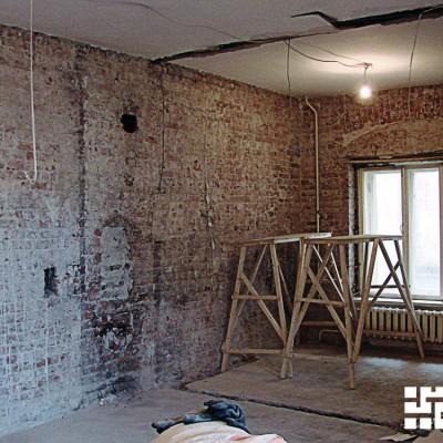 Ремонт квартиры на Жуковского. Изначально окно было арочной формы; нам предстоит восстановить её