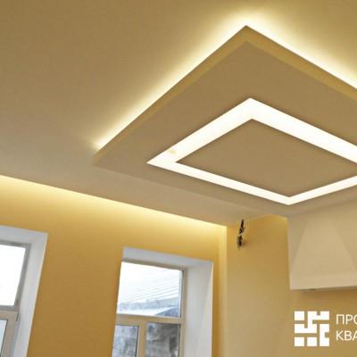 Ремонт квартиры на Жуковского. Над окнами спальни в потолке предусмотрена ниша для штор (с закарнизной подсветкой)
