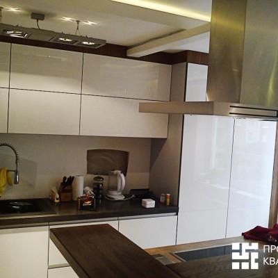 Ремонт квартиры на Королёва. Кухня, потолок с закарнизной подсветкой