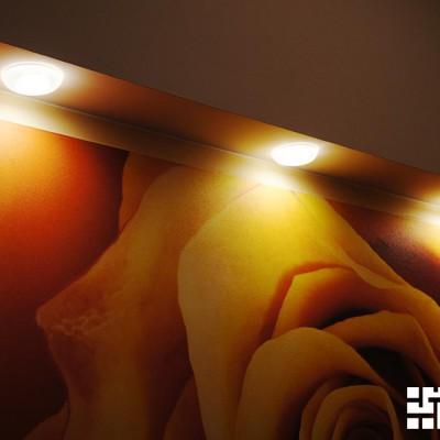 Ремонт квартиры на Жуковского. Малые светильники, встроенные в короб из ГКЛ