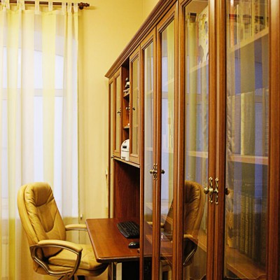 Ремонт квартиры на Жуковского. Кабинет. Пол из паркетной доски, потолок из ГКЛ