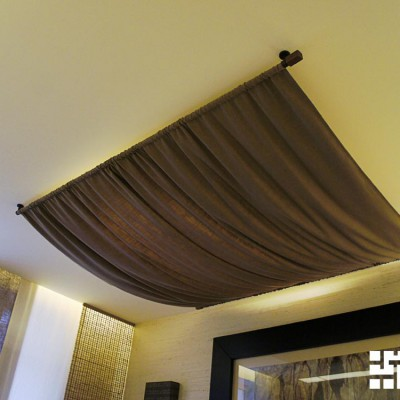 Спальня, оригинальный потолочный светильник из ткани