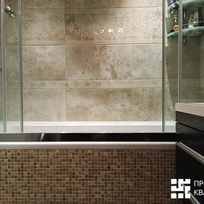 Ванная после ремонта. Бортики ванны зашиты ГКЛ и облицованы мозаичной плиткой