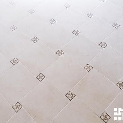 Отзыв о ремонте квартиры, ул.Ленина, фото 3. Пол, укладка плитки